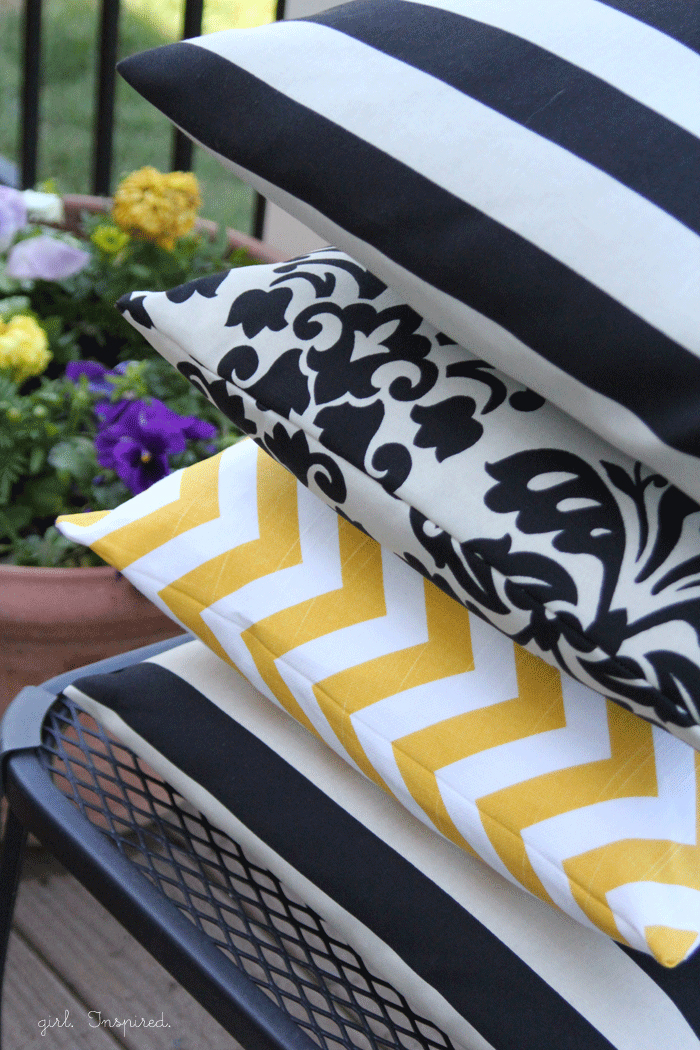 How to Make a Pillow - quick tutorial!