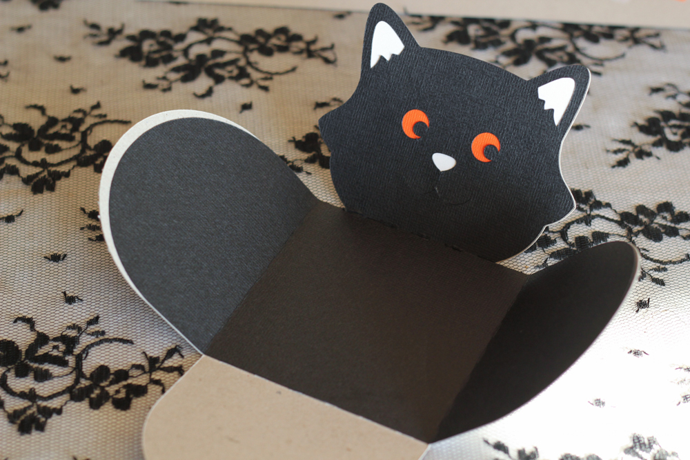 Make these adorable black cat treat boxes easily!