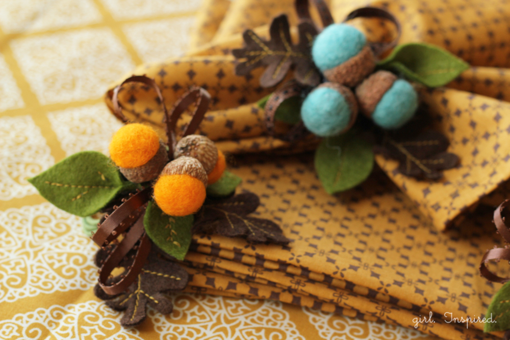 Autumn Acorn Napkin Rings #DIY #turkeytablescapes