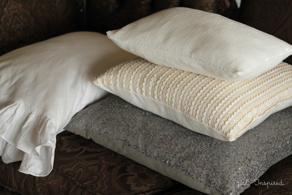Sequin Sofa Pillows Tutorial