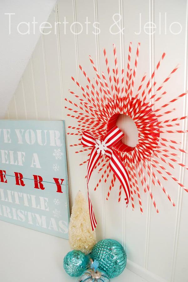 striped-straw-wreath
