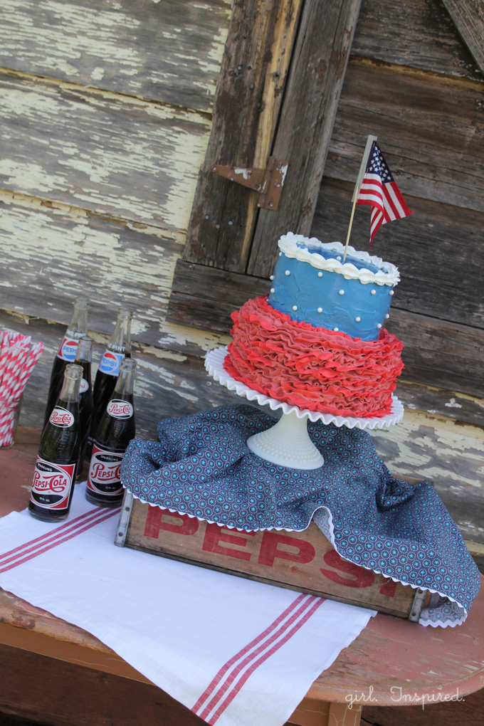 Fourth of July Inspiration - fun cake and table display