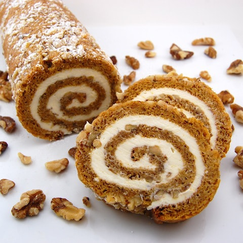 20 Pumpkin Dessert Recipes - Pumpkin Roll