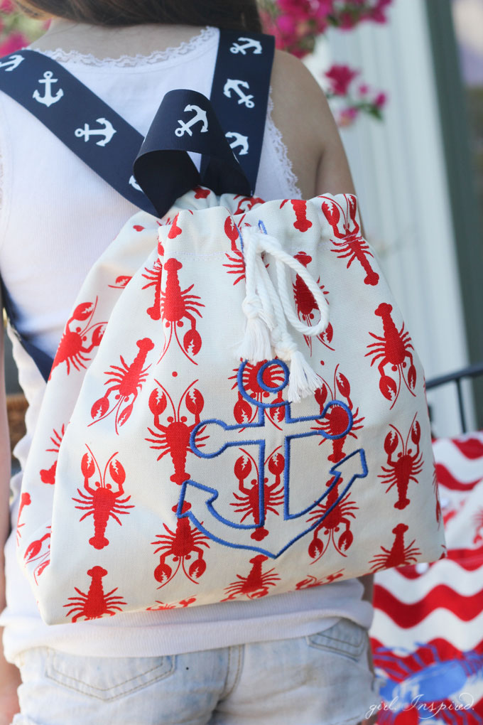 Summer Beach Bags - super cute beach bags with home dec fabric + backpack tutorial