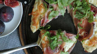 Fig Prosciutto Pizza with Fontina and Goat Cheese
