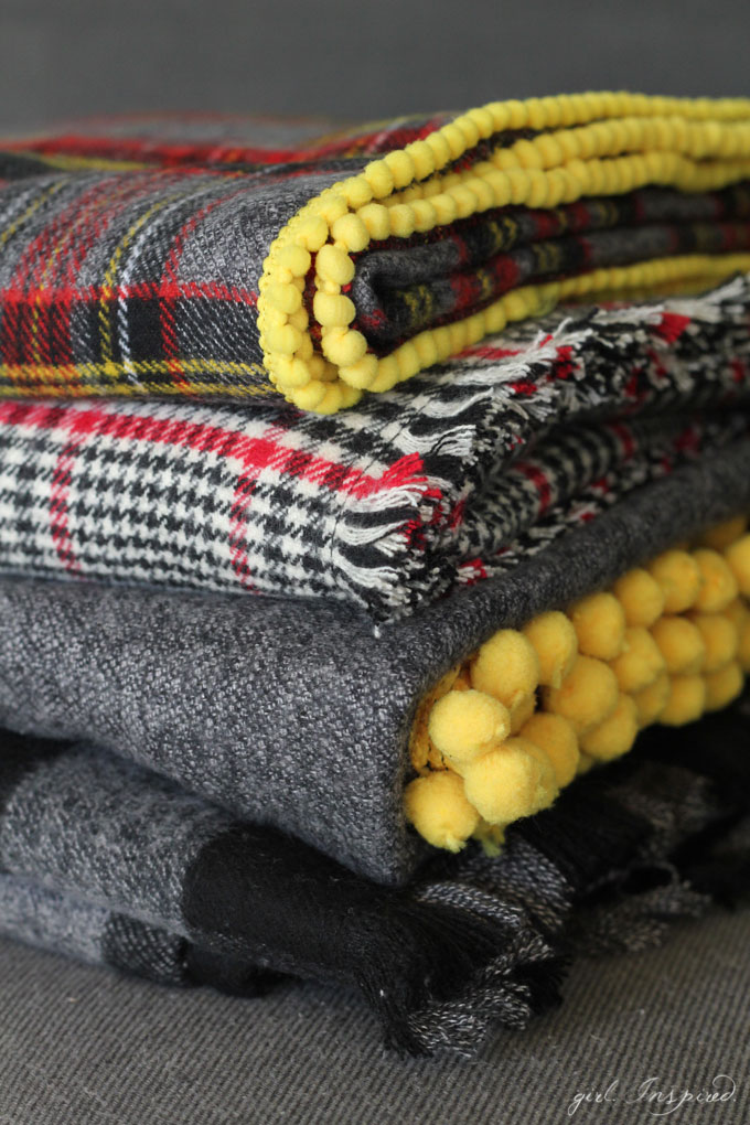 Flannel Throw Sewing tutorial - Get ready for cooler weather with these easy flannel throw blankets!