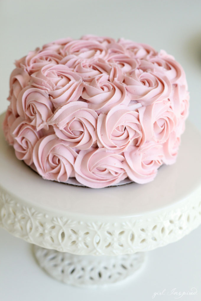Simple Cake Decoration Images : Simple and Pink Techniques to Decorate Cakes and Cupcakes ...