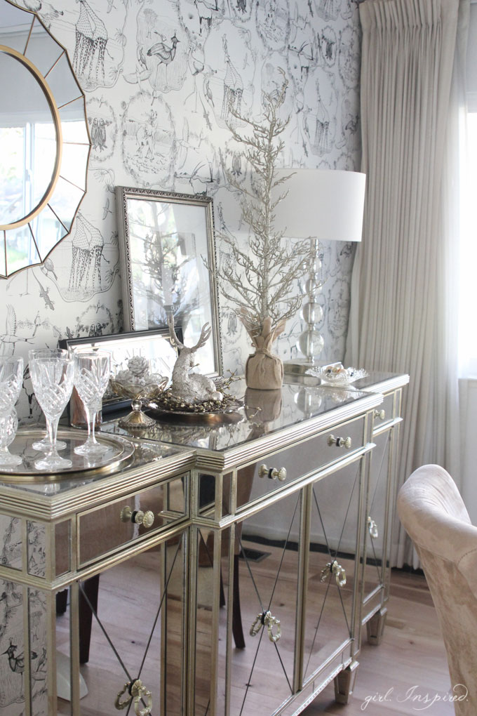 Christmas Holiday Home Tour - lots of lovely vignettes!