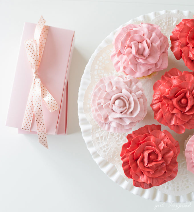 Make these beautiful Rose Cupcakes with just two piping tips and this easy technique!