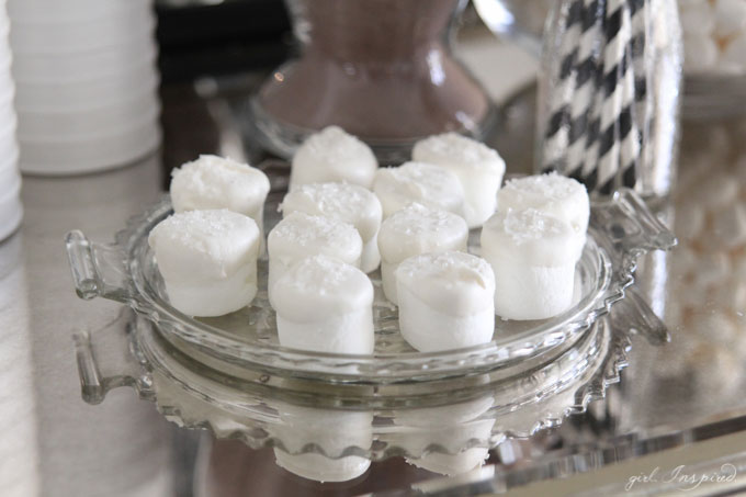 Snow sparkle marshmallows!
