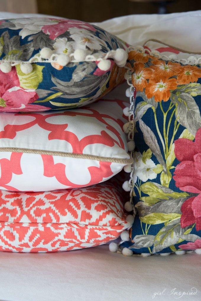 GREAT tips to make professional pillows for a fraction of the cost of buying them!