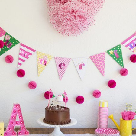 Summer Splash Birthday Party - simple ideas for pulling together a great party with very little planning.