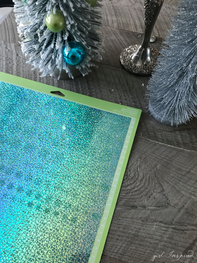 Make your own CONFETTI with Cricut and Party Foil!! #craft #holidaytablescape #diy #cricutmaker
