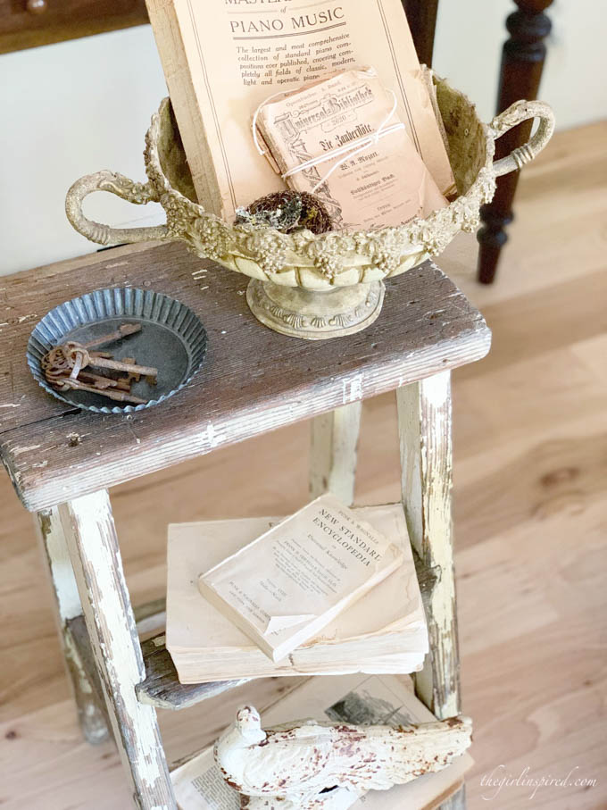 beachy vintage decor